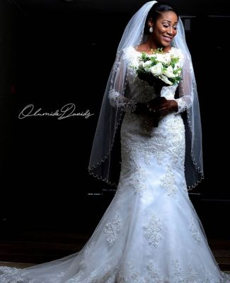 Get professional photography skills for your pre-wedding shoots and weddings.